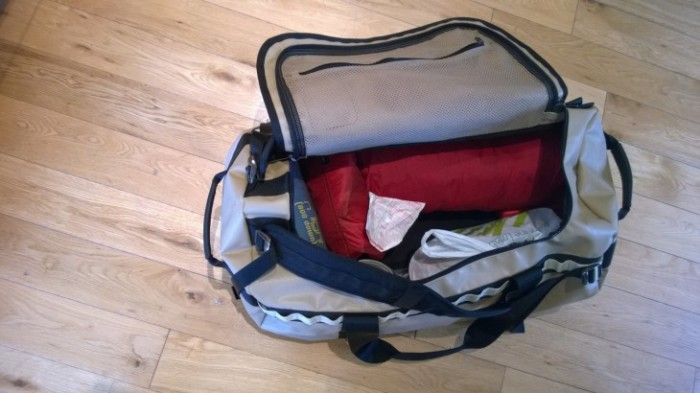 TNF DUFFLE BAG (1)